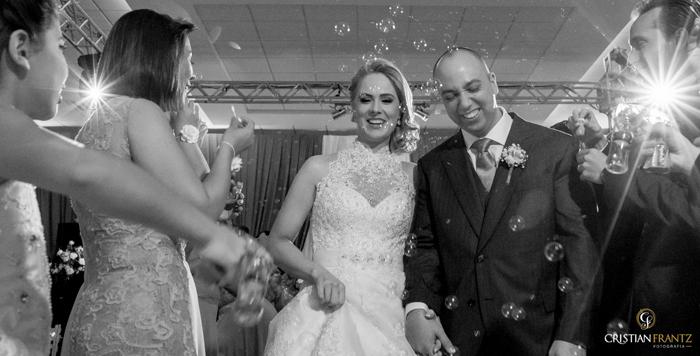 A cerimônia de casamento da Alessandra e do Eduardo também ocorreu no Salão da SOVA